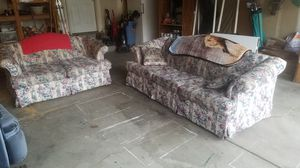 Beautiful Floral Couch Set for Sale in Payson, UT