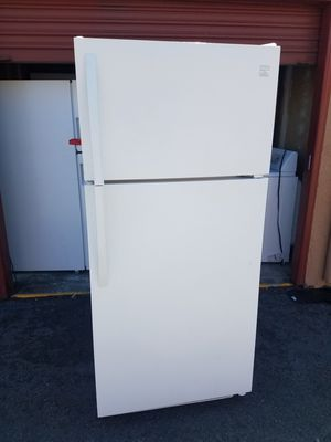 Kenmore Top- Freezer Refrigerator for Sale in Oakland, CA