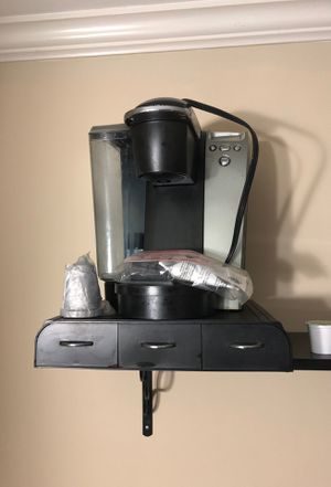 Keurig with storage pod tray for Sale in Springfield, VA