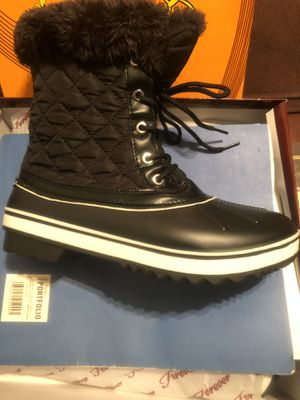 Snow/rain ((only women)) boots for Sale in Anaheim, CA