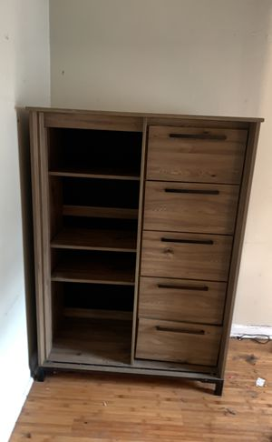 Dresser/ Wardrobe for Sale in Atlanta, GA