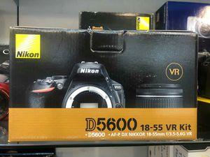 Nikon D5600 for Sale in Fort Lauderdale, FL