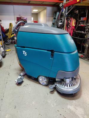 Floor scrubber Tennant T5 for Sale in Las Vegas, NV