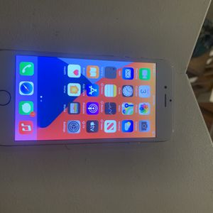 iPhone 6s 128gb Unlocked (glass) for Sale in Los Angeles, CA