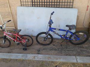 Both bikes for 7 for Sale in Hesperia, CA