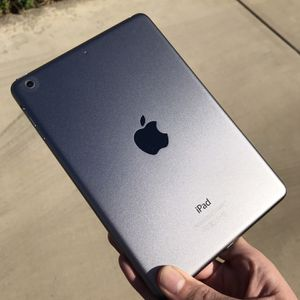 iPad Mini 2 64gb Space Gray Wifi With Otter Case for Sale in Glendale, CA