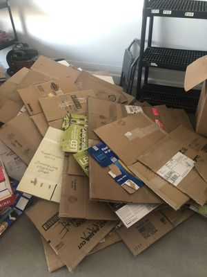 Free moving boxes. for Sale in Queen Creek, AZ