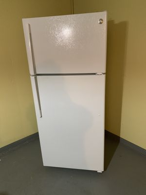 G.E, very good refrigerator less than two years old. Dimensions are: 64/28 inches. for Sale in Princeton, NJ
