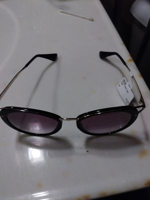 Prada sunglasses for Sale in St. Louis, MO