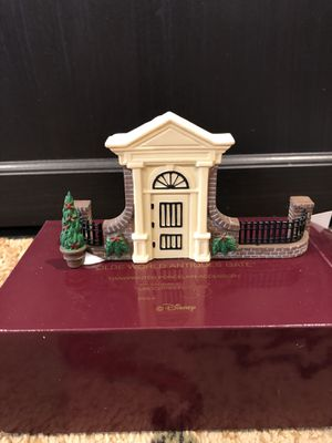 Disney Christmas Village series, Olde World Antiques Gate 8 available, NEW IN BOXES for Sale in Perris, CA