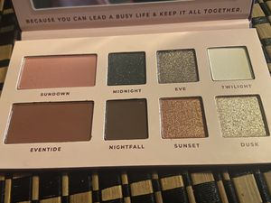 Evening glamour palette new for Sale in Lynwood, CA