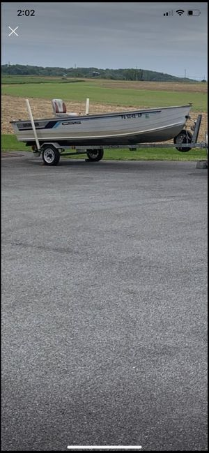 16ft Grumman with trailer 25 HP mercury engine for Sale in Lancaster, PA