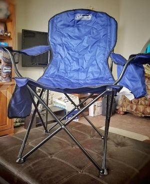 Coleman Portable Camping Quad Chair with 4-Can Cooler for Sale in Houston, TX