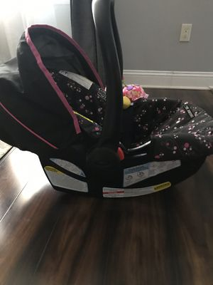 Graco snug ride car seat with base(base not pictured) for Sale in Sharpsburg, MD