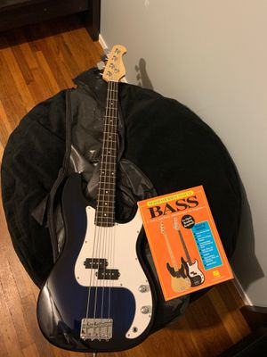 Bass Guitar for Sale in Hicksville, NY