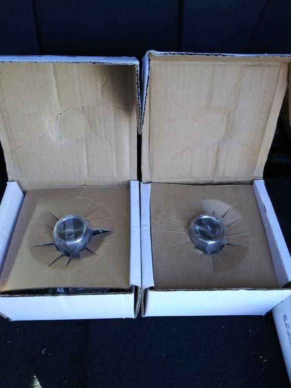 Pair of Mazda wheel hubs by APC