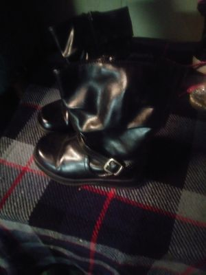 Girl boots size 7 for Sale in Memphis, TN