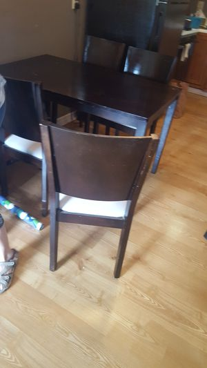 Wooden small dining, or big kitchen table with 4 chairs. for Sale in Manchester, MO