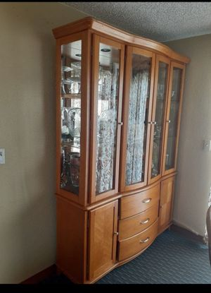 """Beautiful China hutch with lights in very good condition. 81""""H 59""""W16""""D. for Sale in Kent, WA"""