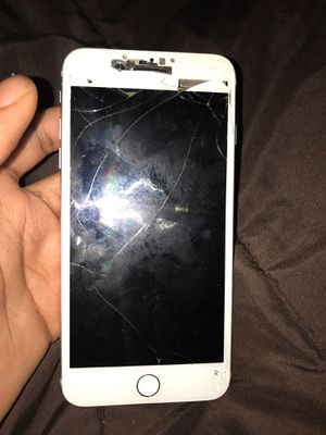 iPhone 7 unlock wit any company cracked for Sale in St. Louis, MO