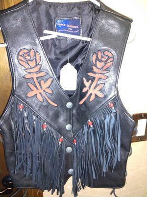 Women's Leather fringe/beaded vest. for Sale in Plant City, FL