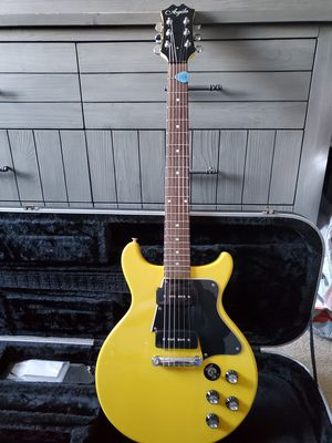 Agile AD2200 LP Special guitar with case for Sale in Hoffman Estates, IL