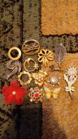 Pins for Sale in Dixon, MO