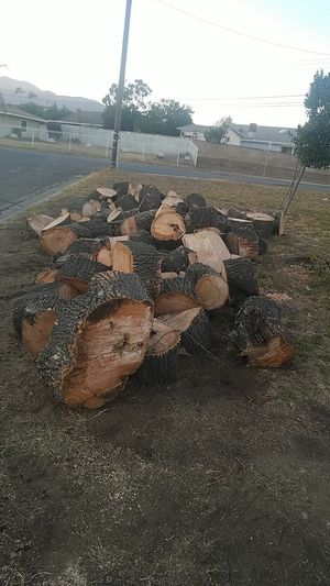 FREE WOOD!!! for Sale in San Bernardino, CA
