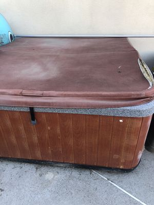 Free Hot tub, broken heating system. for Sale in Covina, CA