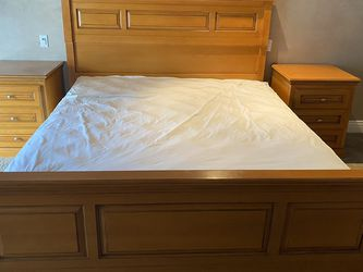 Ethan Allen Hard wood King Bed Set for Sale in Orange,  CA