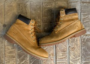 Timberland Women's Brown Premium Used Waterproof Lace Up Work Boots Sz 7. Pre-owned. for Sale in College Park, GA