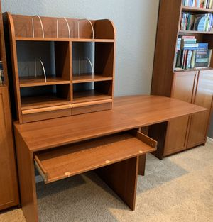 Extendable desk with hutch for Sale in Littleton, CO