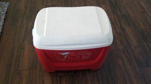 Igloo Island Breeze 28 qt cooler for Sale in Mesa, AZ