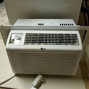 Two window unit ac. for Sale in Margate, FL