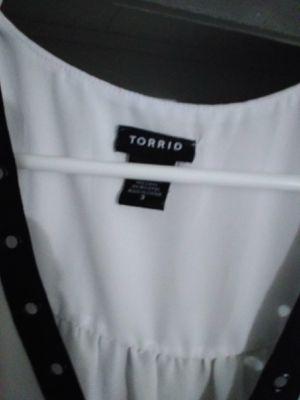 Torrid shirt sleeveless. for Sale in Glendale, AZ