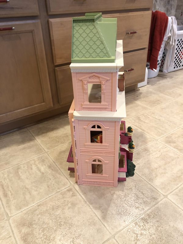 Fisher Price Dollhouse Loving Family Grand Mansion Folding House