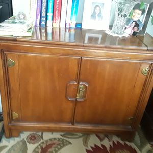 Antik server good condition real wood cherry color for Sale in Alexandria, VA