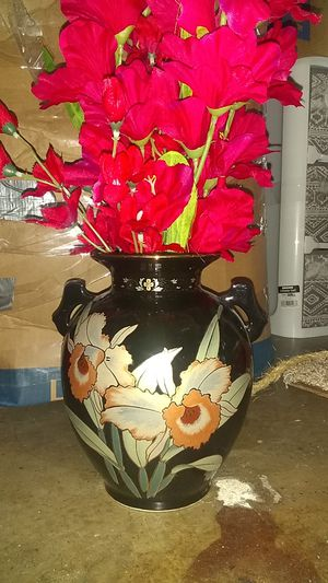 Vase and flowers for Sale in North Highlands, CA