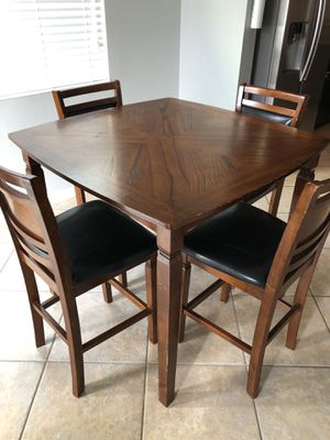 Bar table dining set for Sale in Orlando, FL
