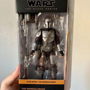Star Wars Black Series Mandalorian Beskar Armor Figure for Sale in Fresno, CA