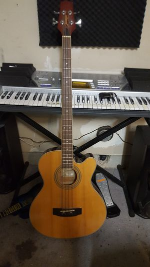 Takamine/ jasmine Bass Acustic for Sale in Morgan Hill, CA