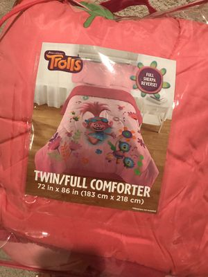 Trolls comforter only for Sale in Kissimmee, FL