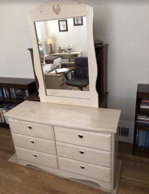 Dresser. Ashley furniture . for Sale in Fresno, CA