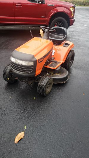 Ariens 17.5 hp lawn tractor for Sale in Bonney Lake, WA