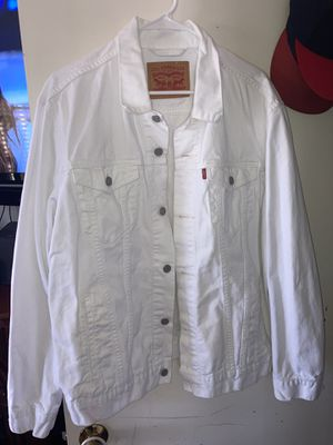 White Levi's jean jacket for Sale in Richmond, CA