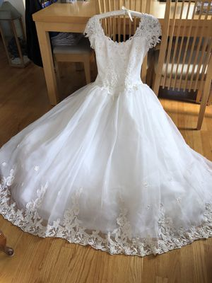 Wedding Dress - used Size 8 (really a 6) for Sale in Fullerton, CA