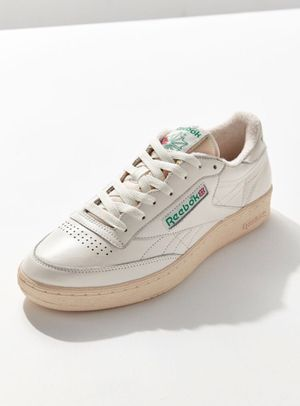 Reebok Club C Vintage Sneaker Size 9 for Sale in Chicago, IL