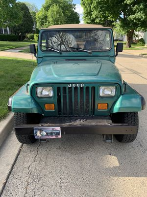 1995 Jeep Wrangler - soft top - 4cyl - Automatic for Sale in Batavia, IL