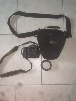Nikon D5000 12.3 MP DX Digital SLR Camera for Sale in Washington, DC
