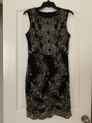 Guess Embroidered Bodycon Dress Size 6 for Sale in Humble, TX
